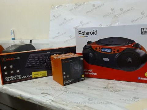 Lot 326 LARGE LOT OF APPROXIMATELY 15 ASSORTED ELECTRICAL ITEMS TO INCLUDE: POLAROID BLUETOOTH CD BOOMBOX, BLACKWEB WIRELESS SILENT KEYBOARD, BLACKWEB BLUETOOTH SPEAKER ETC