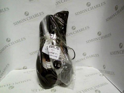 Lot 1048 NEW LOOK BLACK BOW STYLE FLAT SOHES - UK SIZE 9