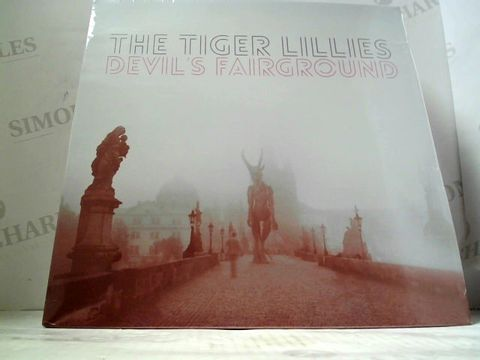 Lot 3266 LOT OF 10 ASSORTED VINYL RECORDS TO INCLUDE; THE TIGER LILLIES, FATEN KANAAN ETC