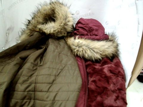 Lot 8366 APPROXIMATLY 17 ASSORTED DESDIGNER COATS & JACKETS, INCLUDING, BOMBER JACKETS IN PINK & WHITE, FAUX FUR TRIMMED QUILTED JACKETS, FAUX FUR COAT, DOG TOOTH PATTERNED COATS.