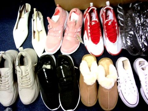 Lot 1090 LARGE BOX APPROX 18 ASSORTED FOOTWEAR VARIOUS SIZES