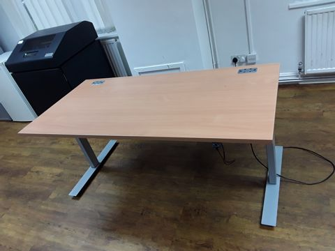 Lot 19 LINAK HEIGHT-ADJUSTABLE OFFICE DESK WITH METAL FRAME