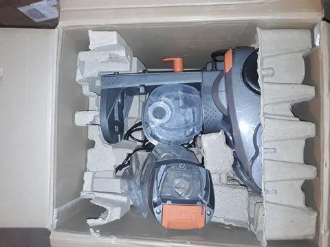 Lot 10016 VAX DUAL POWER VACUUM CLEANER