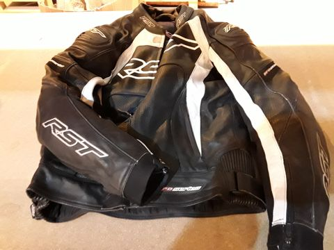 Lot 52 RST BLACK/WHITE LEATHER PRO SERIES MOTORCYCLE JACKET (SIZE UNSPECIFIED)