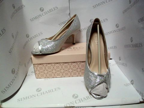 Lot 13032 BOXED PAIR OF DESIGNER PARADOX HEELS  - UK SIZE 6.5