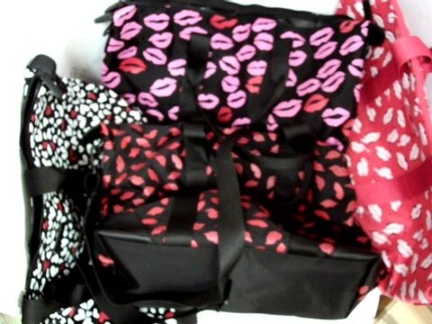 Lot 8623 BOX OF APPROXIMATELY 8 CARRYALL BAGS TO INCLUDE BLACK WITH PINK AND RED LIPSTICK PRINT, BLACK WITH WHITE AND RED HEARTS PRINT AND RED WITH WHITE LIPSTICK PRINT