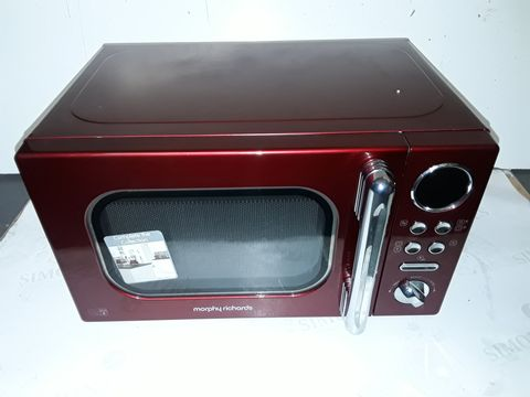 Lot 9130 MORPHY RICHARDS ACCENTS 20L 800 W MICROWAVE