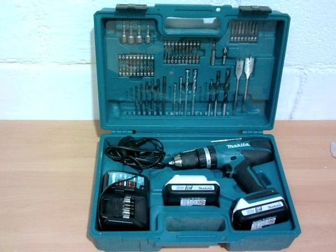 Lot 1011 MAKITA 18V G SERIES COMBI DRILL COMPLETE RRP £169.99
