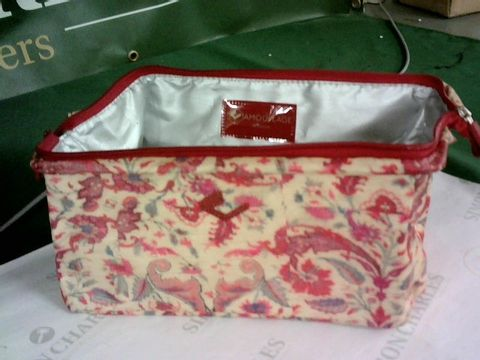 Lot 8177 LOT OF 9 ASSORTED CAMOUFLAGE COMPANY WASH BAGS