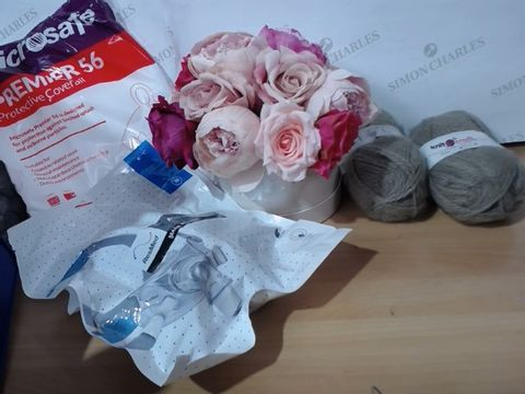 Lot 2007 MEDIUM LOT OF ASSORTED HOUSEHOLD ITEMS TO INCLUDE: KNITCRAFT ACRYLIC THREAD, FAKE PEONIES BOX, MICROSAFE PREMIER 56 PROTECTIVE OVERALL AND RESMED MASK SYSTEM (M) ETC