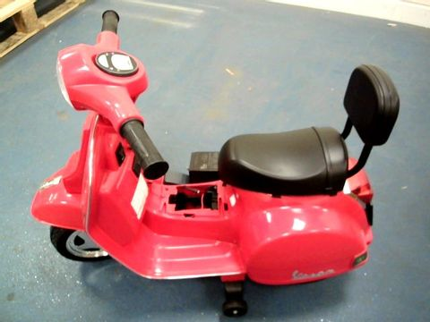 Lot 5032 BOXED BATTERY OPERATED VESPA - RED RRP £124.99