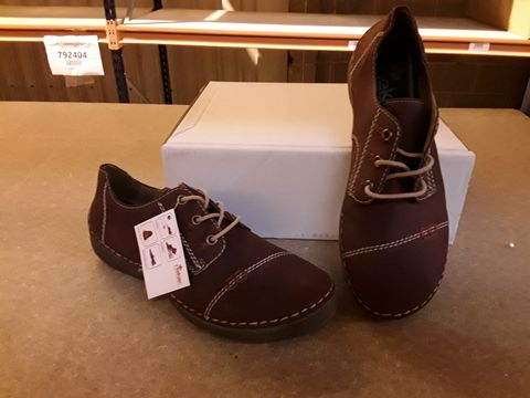 Lot 10087 BOXED PAIR OF RIEKER SHOES SIZE 38