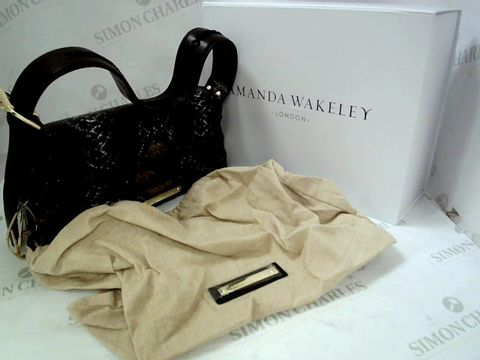 Lot 8323 DESIGNER AMANDA WAKELEY LONDON BLACK CLUTCH BOX WITH DUST BAG & BOX