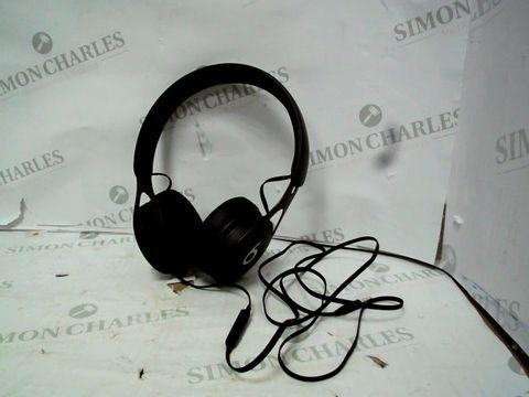 Lot 12040 UNBOXED APPLE BEATS EP ON-EAR HEADPHONES - BLACK