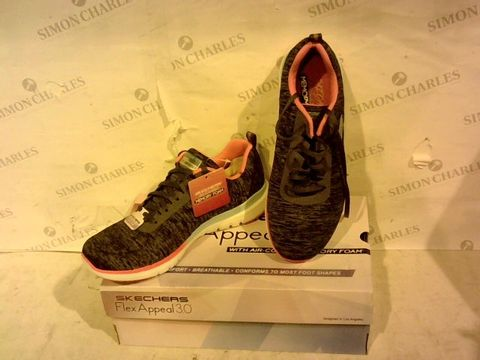 Lot 1577 BOXED PAIR OF SKECHERS - UK SIZE 6