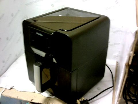 Lot 11267 BREVILLE HALO AIR FRYER 5.5L