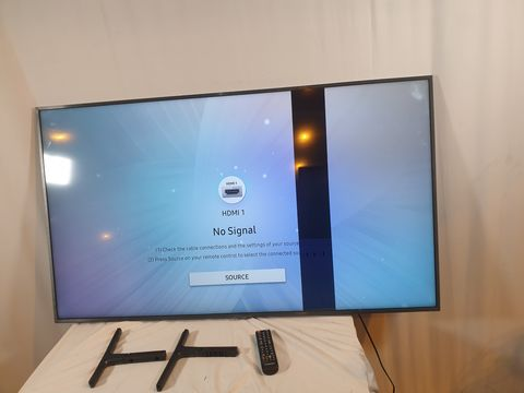Lot 766 UNBOXED SAMSUNG UE55RU800U 55 INCH 4K SMART TELEVISION