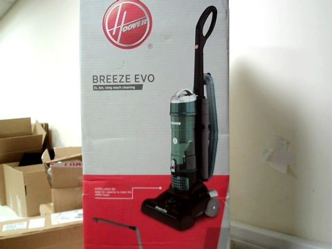 Lot 334 HOOVER BREEZE UPRIGHT VACUUM CLEANER  RRP £120.00