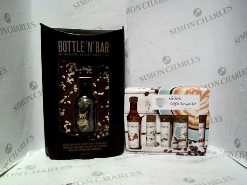 Lot 4354 LOT OF 2 ASSORTED ITEMS, TO INCLUDE MONIN COFFEE SYRUP SET AND BOTTLE 'N' BAR GIFT SET RRP £34.00