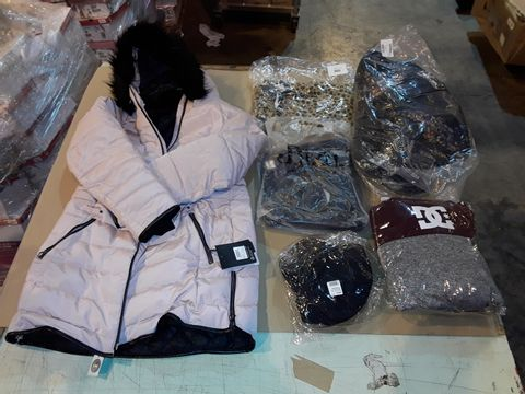 Lot 4054 CAGE OF ASSORTED UNPROCESSED ADULT CLOTHING PRODUCTS