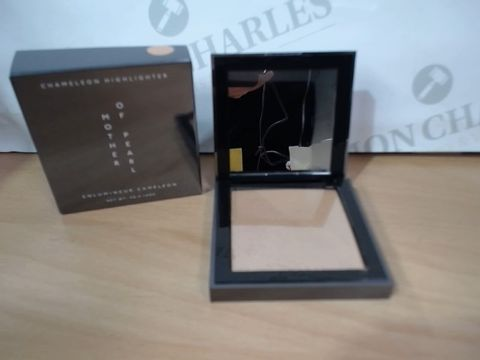 Lot 3030 LOT OF 8 BRAND NEW SHIMMERING HIGHLIGHTERS