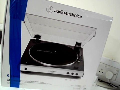 Lot 13449 AUDIO-TECHNICA AT-LP60XBT FULL AUTOMATIC WIRELESS BELT-DRIVE TURNTABLE