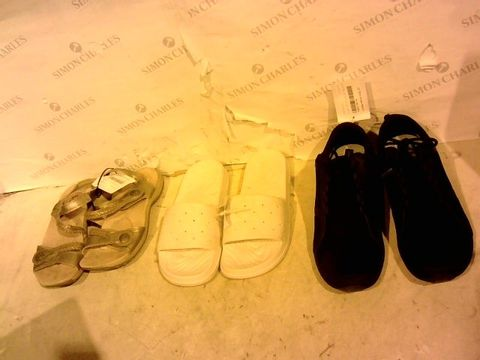 Lot 11213 LOT OF 3 PAIRS OF DESIGNER FOOTWEAR - EARTH SPIRIT, 3; SKECHERS, 5; VIONIC, 8