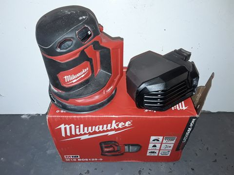 Lot 5314 MILWAUKEE MQ8 PALM SANDER - BOS125-0