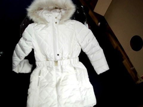 Lot 1100 DOROTHY PERKINS WINTER COAT WITH FAUX FUR HOOD CREAM 12 BELTED