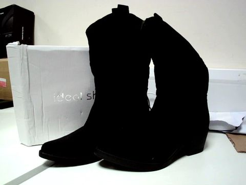 Lot 13081 IDEALSHOES BLACK COWBOY STYLE BOOTS UK SIZE 5.5