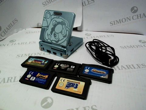 Lot 1680 GAMEBOY ADVANCE SP MARIO BLUE WITH AN ASSORTMENT OF GAMES
