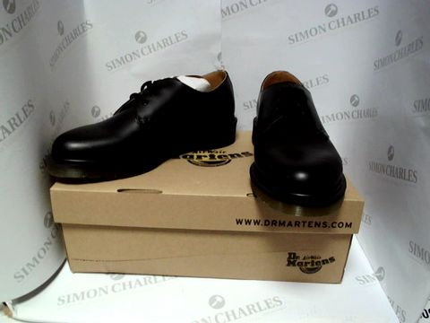 Lot 13085 BOXED PAIR OF DESIGNER DR MARTENS - UK SIZE 8