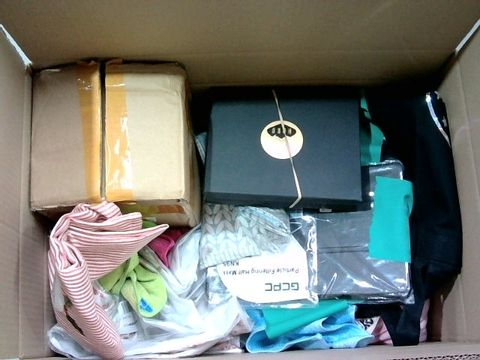 Lot 2326 BOX OF LARGE QUANTITY OF ASSORTED HOUSEHOLD ITEMS