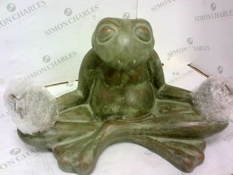 Lot 92 FROG GARDEN ORNAMENT  RRP £25.00