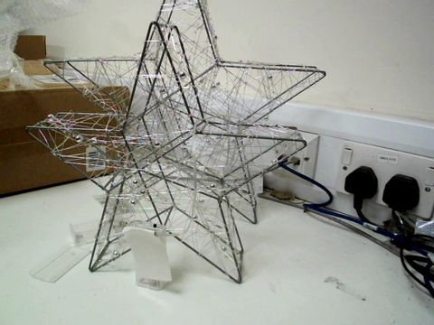 Lot 322 SET 2 LIGHT UP STAR ROOM DECORATIONS RRP £38.00