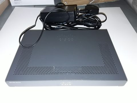 Lot 1164 CISCO ISR 900 SERIES ROUTER