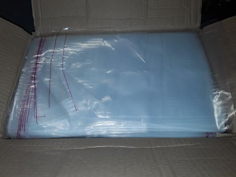Lot 1183 LOT OF APPROXIMATELY 1000 SELF SEAL CLEAR BAGS - 34X23CM