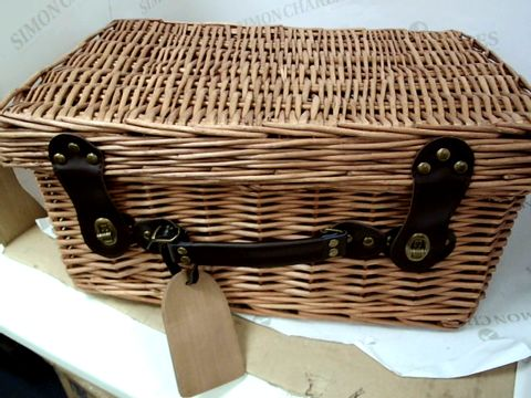 Lot 585 MEDIUM SIZED BASKET HAMPER (NO CONTENTS)  45 X 35 X 24 CM