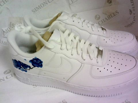 Lot 1045 AIR FORCE WHITE/BLUE ROSE SIZE 9