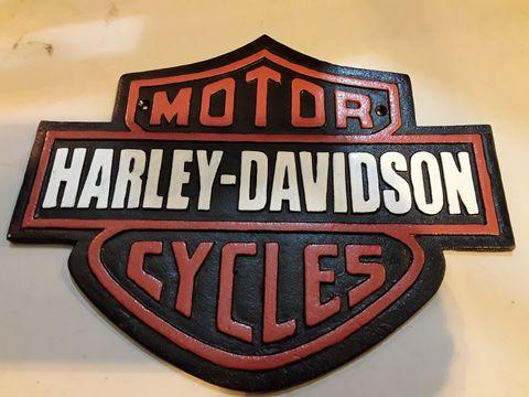 Lot 36 CAST METAL HARLEY DAVIDSON SIGN 33cm wide