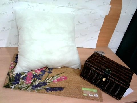 Lot 2287 LOT OF 7 ASSORTED BULK HOUSEHOLD ITEMS TO INCLUDE FOORMAT, WICKER BASKET, CUSHION ETC.