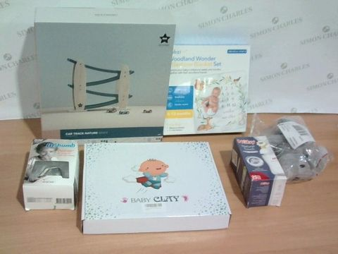 Lot 3351 LOT OF 6 ASSORTED BABY ITEMS TO INCLUDE BABY CLAY, DR THUMB, MILESTONE BLANKET SET ETC.