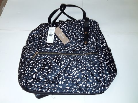 Lot 86 ACCESSORIZE TRAVEL BAG WITH SUITCASE SLEEVE