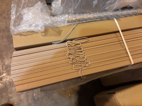 Lot 7077 BOXED WOOD EFFECT VENETIAN BLIND (NO SIZE SPECIFIED)