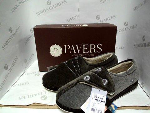 Lot 1009 PAVERS GREY SLIPPERS - UK SIZE 8