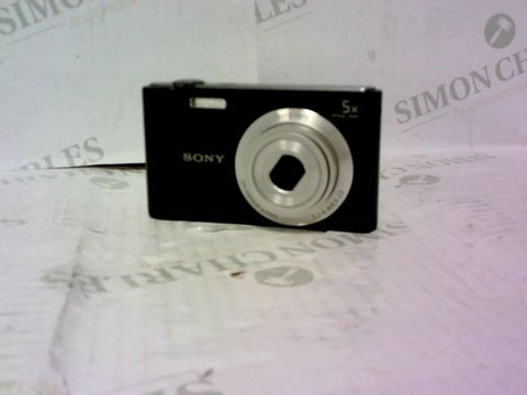 Lot 988 SONY DSC-W800 20.1 MEGA PIXELS CAMERA