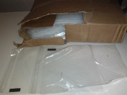 Lot 1134 LARGE QUANTITY OF SEALABLE CLEAR BAGS - 33X22CM
