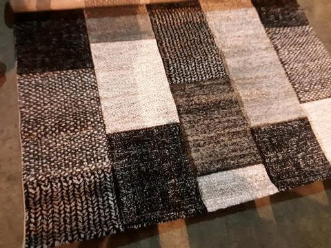 Lot 539 DESIGNER BROOKLYN GREY/BLACK RUG 160 × 220