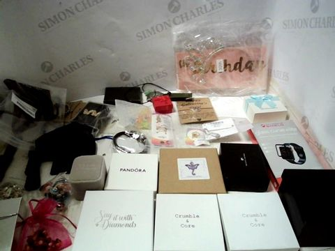 Lot 153 LOT OF APPROXIMATELY 45 ASSORTED ITEMS OF JEWELLERY TO INCLUDE EARRINGS, WATCH STRAPS, NECKLACES, ETC