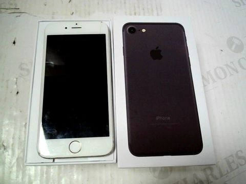 Lot 349 BOXED APPLE IPHONE 6 (A1586) SMARTPHONE - CAPACITY UNKNOWN
